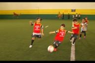 Esportista incentiva futuros atletas do futebol em projeto em Ananindeua