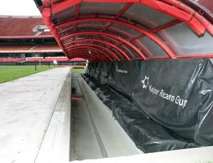Banco de reservas do estádio do Morumbi (Foto: Rubens Chiri / Site oficial do São Paulo FC)