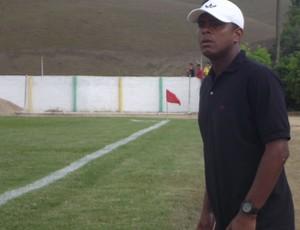 Capitão é o treinador do Comercial (Foto: Caio Lorena / Globoesporte.com)