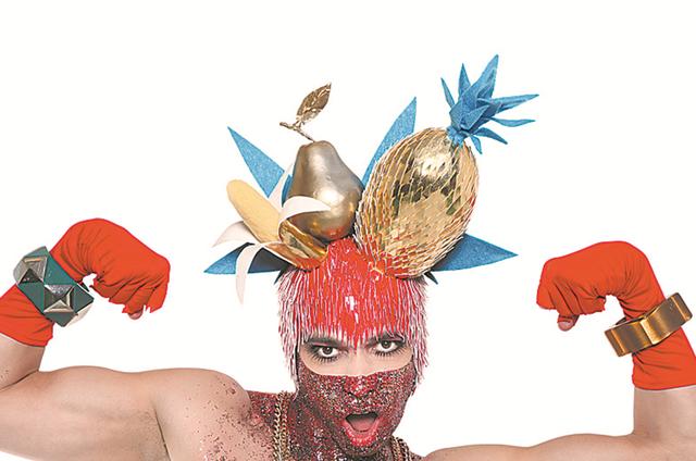 Leopold, cantor, performer e ativista gay brasileiro participará do 'Amor & sexo' (Foto: Divulgação)
