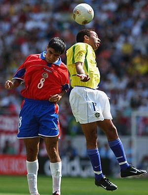 junior brasil costa rica copa do mundo 2002 (Foto: Agência Getty Images)