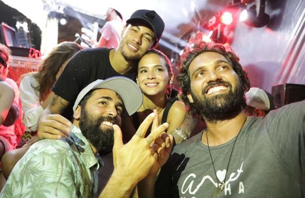 Iaponã, Neymar, Bruna Marquezine e Tuca (Foto: Raul Aragão)
