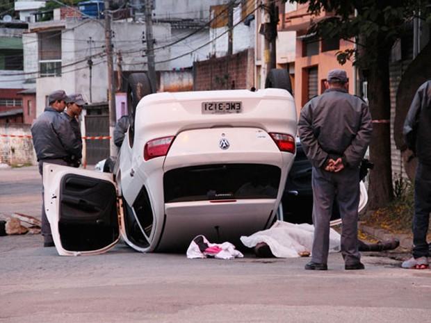 Acidente ocorreu na Rua Severino Nunes da Costa, na Brasilândia. (Foto: Edison Temoteo/Estadão Conteúdo)