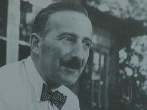Autor passou fim da vida exilado no Brasil (Foto: Reprodução / Inter TV)