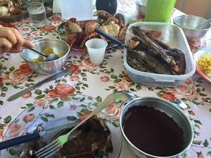 Açaí com o peixe pirqapitinga, prato preferido de John Macapá (Foto: Reprodução/Facebook)