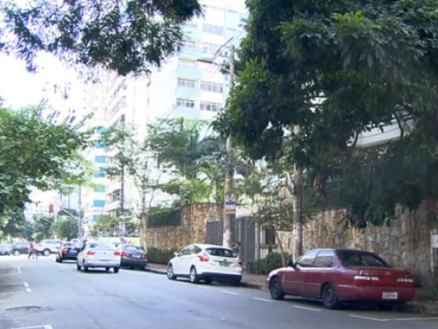 Rua Estados Unidos,  nos Jardins, onde moradores reclamam contra a abertura de usos  comerciais (Foto: Reprodução/ TV Globo)