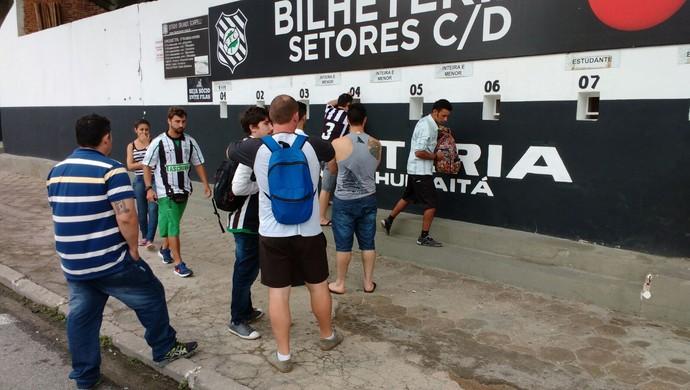 torcida figueirense ingressos  (Foto: Marcelo Siqueira / RBSTV)