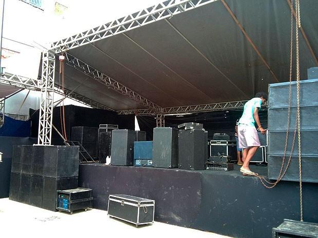 G1 - Show de samba é embargado pela Sucom em Salvador - notícias em ... efed0254e55d1