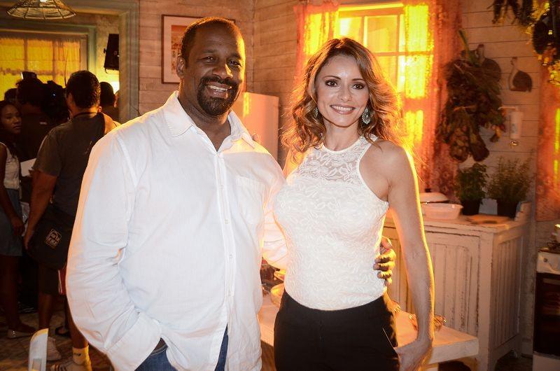 Rita Guedes e Ailton Graça na festa do lançamento de 'Flor do Caribe' (Foto: TV Globo/Raphael Dias)