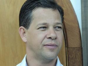 Prefeito de Ferraz de Vasconcelos concede entrevista coletiva  (Foto: Divulgação/ Pedro CArlos Leite)