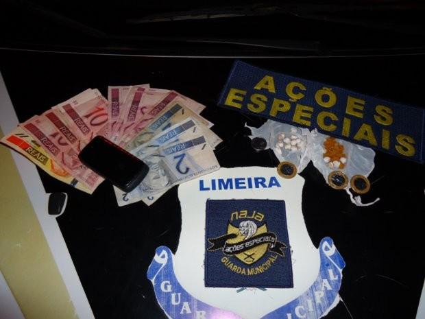 Jovem disse que vendia as drogas no local para quitar dívida com traficante que o ameaçou (Foto: Divulgação/ GM)
