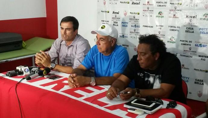 Edson Júnior, Illimani Suares e Carlinhos Farias em coletiva (Foto: Murilo Lima)