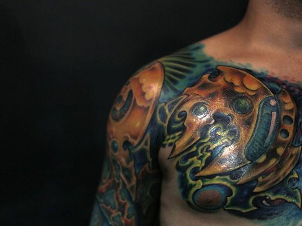 Pessoas que aproveitaram o final de semana no Rio de Janeiro para visitar a convenção internacional de tatuagem e body piercing, o Tattoo Week Rio, exibiram na pele alguns de seus desenhos, novos e antigos. O evento reuniu mais de 170 artistas. (Foto: Pilar Olivares/Reuters)