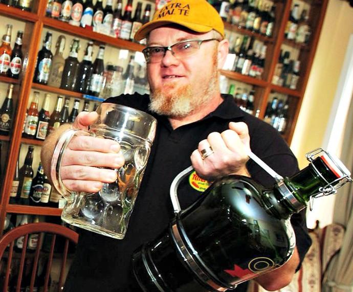 Sady Nenhum de Nós Mistura com Rodaika cerveja artesanal Inspiração (Foto: Arquivo Pessoal)