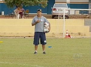 Uidemar fala sobre o adversário na Copa do Brasil (Foto: Reprodução/TV Anhanguera)