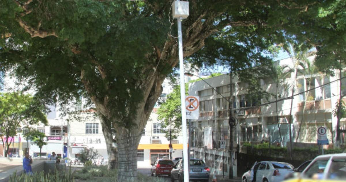 Postes são colocados no Centro de Itaúna para Monitoramento ... - Globo.com
