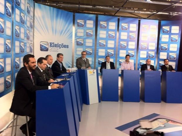Debate contou com a presença dos oitos candidatos à prefeitura de Fortaleza cujo partido tem representação no Congresso Nacional (Foto: André Teixeira/G1)