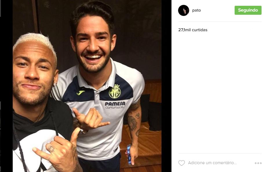 Neymar e Alexandre Pato em Barcelona