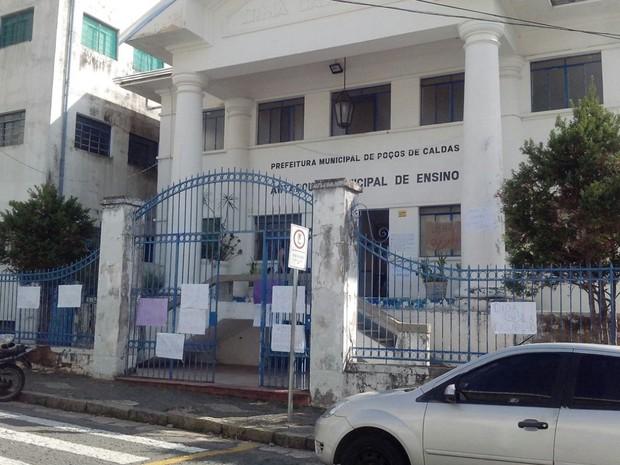 Campus da UEMG em Poços de Caldas é ocupado contra PEC 241 (Foto: Marcelo Rodrigues/EPTV)