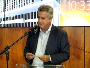 O governador do DF, Rodrigo Rollemberg, durante anúncio de nova etapa do programa Jovem Candango (Foto: Elielton Lopes/G1)