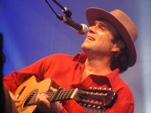 Violeiro Almir Sater faz show em Santa Rita do Sapucaí, MG. (Foto: Divulgação)