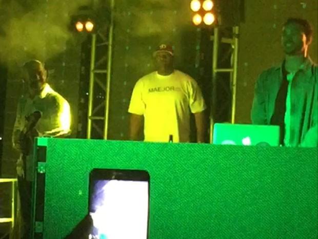 DJ Meojor se apresenta em festa no Centro do Rio (Foto: EGO)