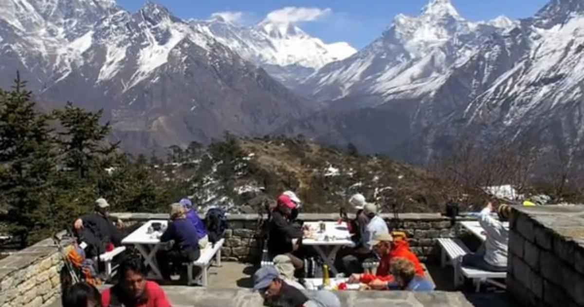 Hotel mais alto do mundo no Everest só é acessível por trilha e helicóptero