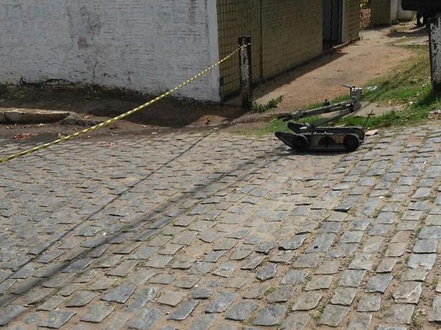 PM usa robô para detonar artefato (Foto: Divulgação/Polícia Militar do RN)