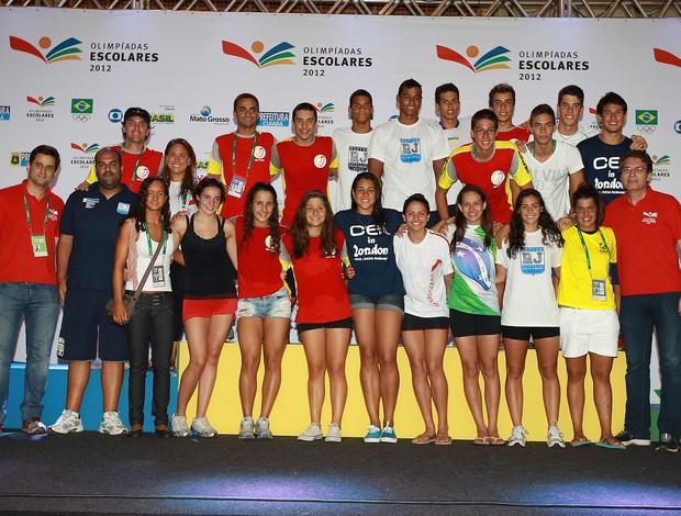 Atletas convocados para seleção escolar de natação nas Olimpíadas Escolares (Foto: Andre Mourao/AGIF/COB)
