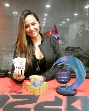 Márcia em campeonato de poker de Brasília (DF) (Foto: Márcia Donato/Arquivo Pessoal)