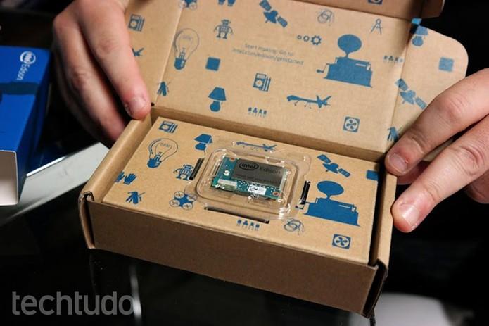 Edison, microcomputador dual core da Intel, do tamanho de um cartão SD (Foto: Melissa Cruz/TechTudo)