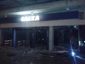 Polícia não soube informar se criminosos levaram dinheiro (Foto: Jean Abreu/Divulgação)