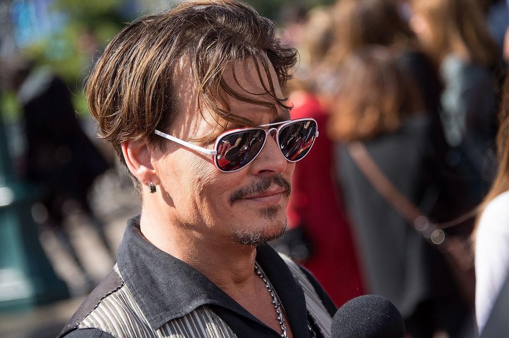 Johnny Depp na première europeia do último Piratas do Caribe (Foto: Getty)