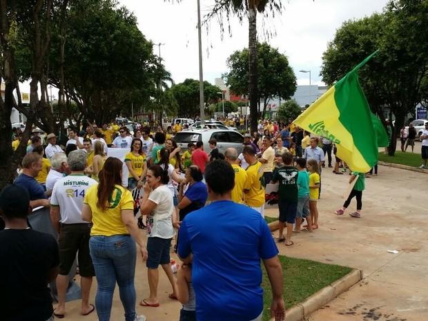 Protesto contra corrupção em Nova Mutum (MT). 2 (Foto: Emerson Zancanaro/Arquivo pessoal)