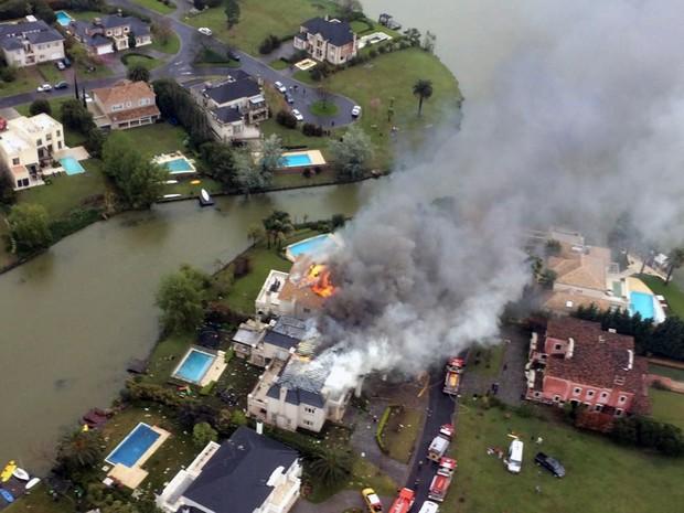 Acidente aéreo em Buenos Aires (Foto: AFP)