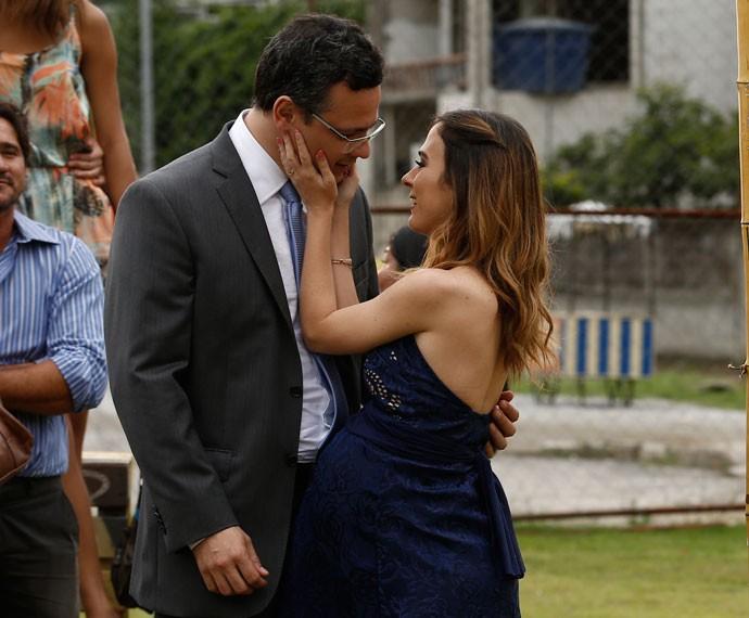 Cícero e Danda apaixonados (Foto: Inácio Moraes/Gshow)