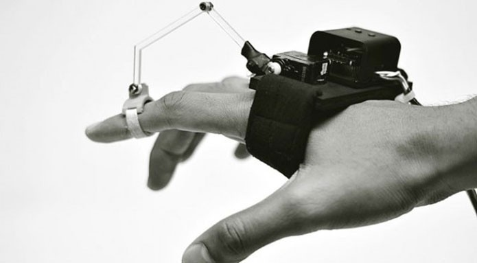 Robô é capaz de ajudar usuário a desenhar (Foto: Reprodução/ExtremeTech)