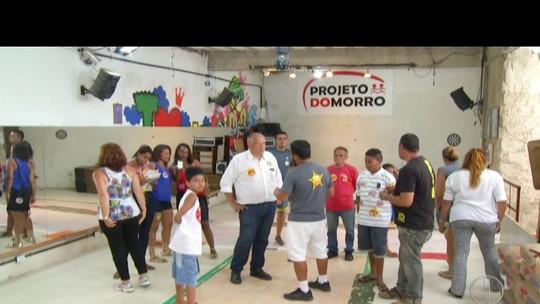 Rubens Bomtempo visita projeto social em Petrópolis, no RJ