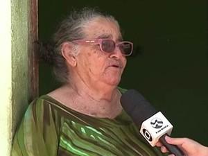 Francisca quer vender casa após seca em Serra Talhada (Foto: Reprodução/TV Asa Branca)