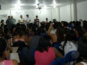 Estudantes fazem última revisão para o Enem em cursinho público de Belém (Foto: Reprodução/TV Liberal)