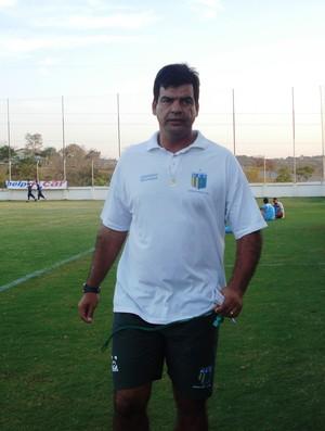 Moacir Júnior, técnico do Nacional-MG (Foto: Cleber Corrêa)