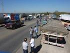 Paralisação de caminhoneiros gera congestionamento no Centro-Oeste de MG