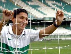 Atacante peruano Raul Ruidíaz é apresentado no Coritiba (Foto: Divulgação/site oficial do Coritiba Foot Ball Club)