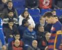Messi quase cospe em zagueiro do Espanyol antes de se estranhar com rival