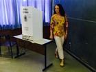 Luciana Genro vota em Porto Alegre e diz que 'há desejo de mudança'