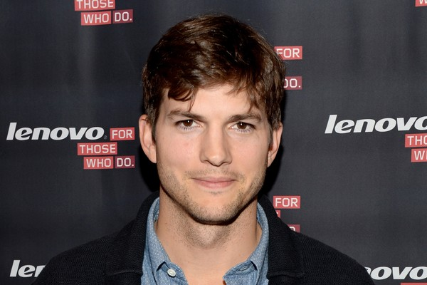Surpreendentemente, Ashton Kutcher é nome frequente nas enquetes de celebridades odiadas, provavelmente por conta de filmes muito criticados, como 'Jobs', e pela decadência de 'Two And a Half Men' depois de sua chegada (Foto: Getty Images)