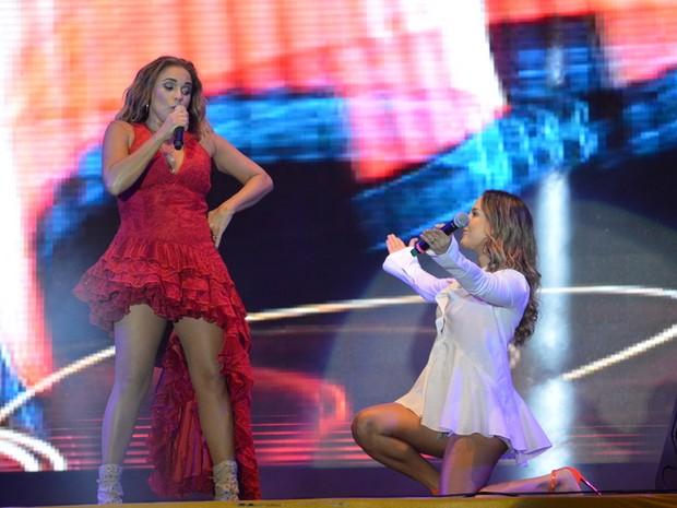 Daniela Mercury e Claudia Leitte em show em Salvador, na Bahia (Foto: Felipe Souto Maior/ Ag. News)