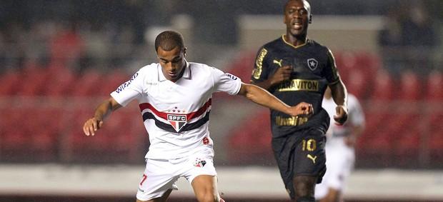 Lucas, São Paulo x Botafogo (Foto: Wagner Carmo / Vipcomm)