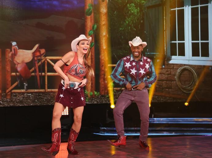 O cantor se divertiu horrores durante a apresentação (Foto: Carol Caminha/Gshow)