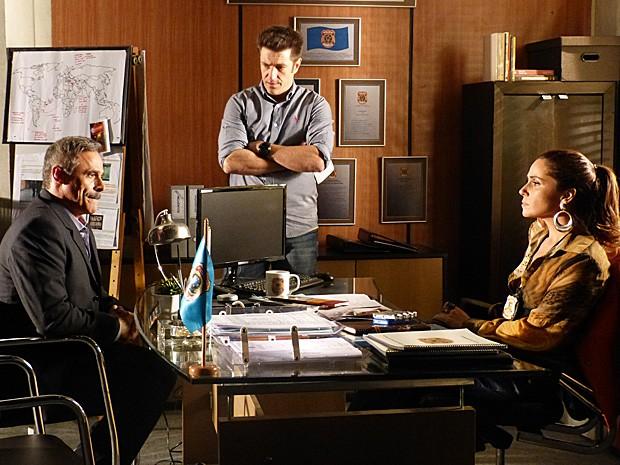 Nunes procura Helô para falar sobre o caráter de Wanda (Foto: Salve Jorge/TV Globo)